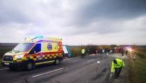 TRAGICKÁ NEHODA PRI NITRE: Autobus sa zrazil s nákladiakom