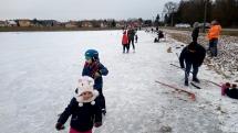 Korčuľovanie na zamrznutom poli