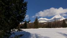 Slnečný víkend pod Tatrami sa môže začať