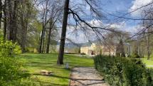 Historický park v Lednických Rovniach.