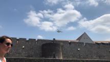 vrtuľník nad starým mestom