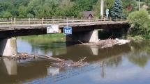 Most v šalkovej čaká na opravu