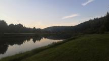 Západ slnka ba rybníku