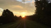 Východ slnka nad Hamuliakovom