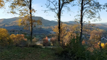 Nova Baňa na jeseň