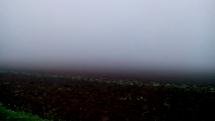 Hustá mlha na Českomoravské vrchovině