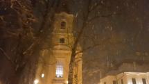 Večerné sneženie v Brezne