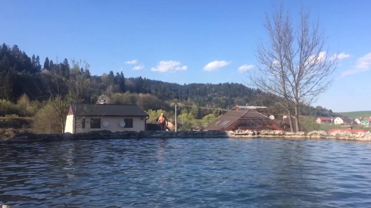 Nádherné slnko vytiahlo ľudí k vode