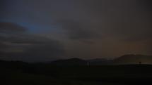 Príchod večernej búrky do Brezna