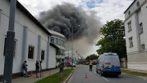 požiar skladu Praha 4