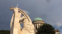 Vÿchodné  krídlo baziliky Ostrihom