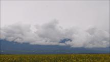 oblačnosť nad Tatrami - z Popradu.....dnes dopoludnia - 16.5.2018