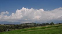 oblačnosť nad Tatrami od Hybe