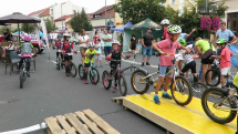 V Lučenci po koľajnici najazdili za hodinu na bicykloch skoro 4 kilometre