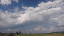 oblačnosť v okolí Tornale