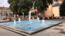 Fontana na hlavnom namesti v Topolcanoch