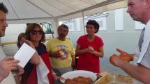 Za 6 minút pripravili na KLOBÁSA FEST-e 899 nožičiek klobás