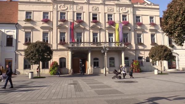 VÝSTAVA KLUBU TRNAVSKÝCH PALIČKÁROK: Zábery nakrútil Marián Nomilner