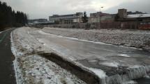 Zamrznutá rieka Poprad vo Svite