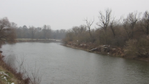 Záhorie - pri rieke Morave, začína snežiť