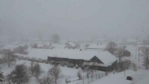 HUSTÉ SNEŽENIE NA SLOVENSKU: Pozrite si aktuálne zábery od iReportérov