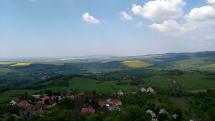 Pohľad na kopanice z hradu Branč