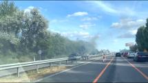 auto v plameňoch
