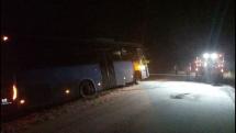 Autobus v priekope