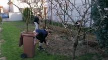 Víkendové aktivity - práce na dvore