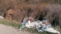 Odpad pri diaľnici