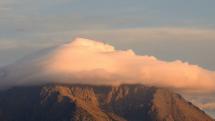oblačnosť nad Lomnickým štítom, 5.10.2020 - ráno